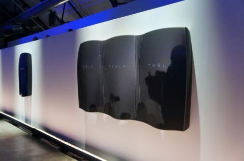 Tesla accu
